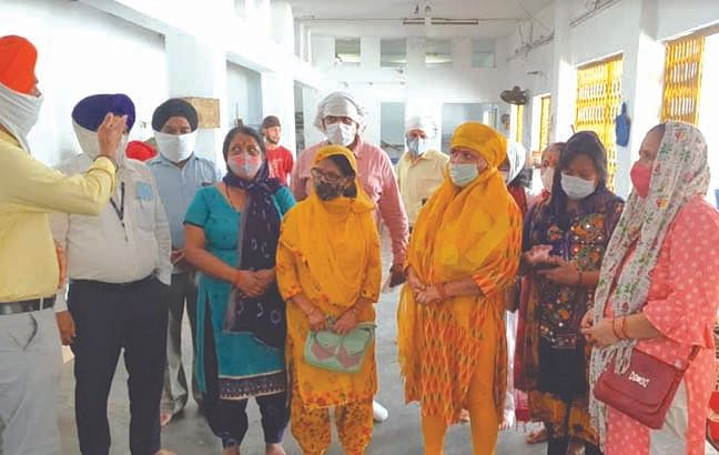 स्पर्श गंगा टीम ने की गुरुनानक देव धर्म प्रचार समिति की सेवाओं की सराहना