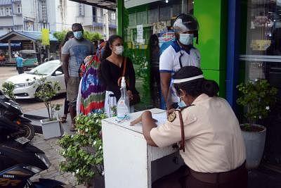 श्रीलंका में कोविड मामले 210,000 के पार