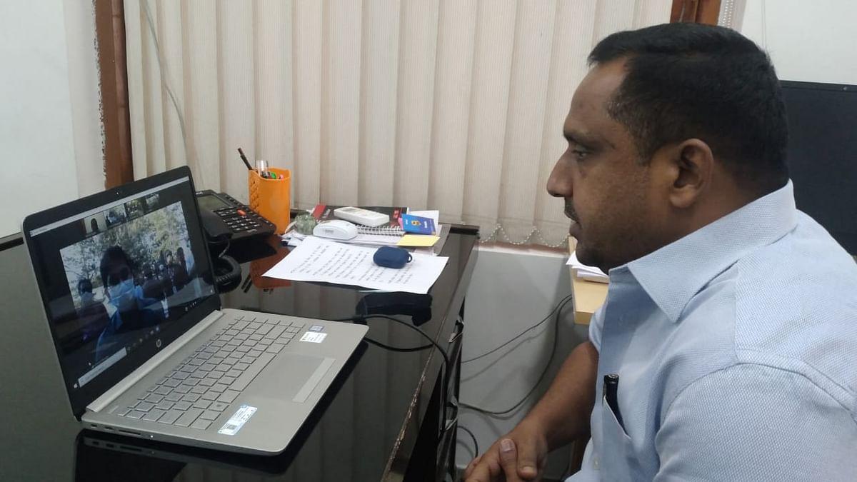 स्वास्थ्य मंत्री ने वीडियो कॉन्फ्रेंसिंग से विशेष चलंत टीकाकरण अभियान का किया शुभारंभ
