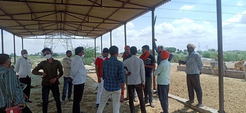 फतेहपुर: गौशाला में अव्यवस्था देख बजरंग दल कार्यकर्ता आक्रोशित