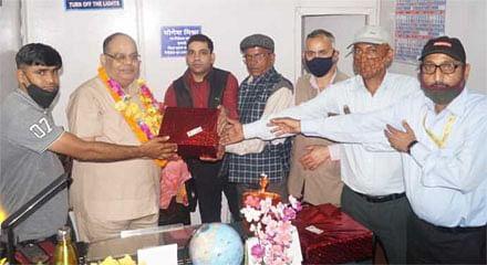 उप निदेशक योगेश मिश्रा को दी विदाई
