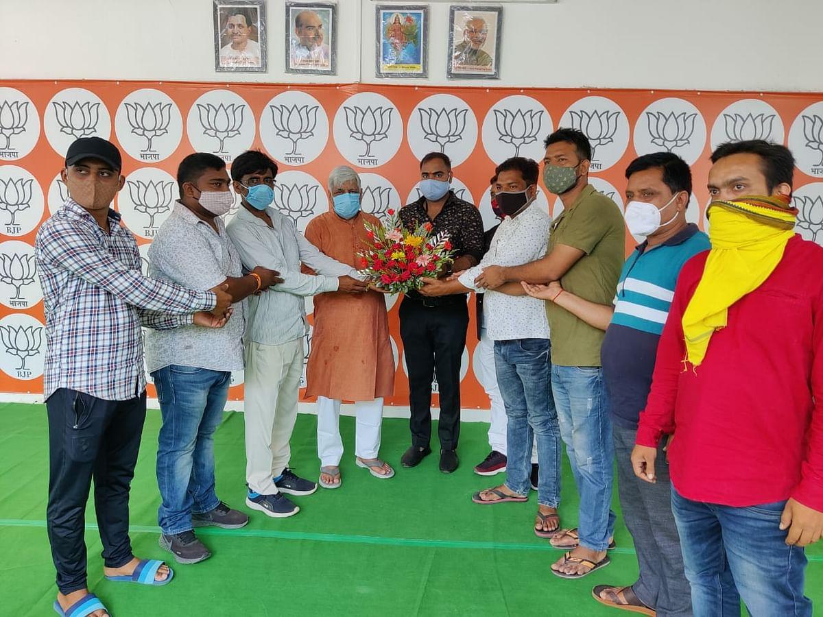 सांसद बीडी राम ने प्रतिनिधियों और कार्यकर्ताओं से क्षेत्र का जाना हाल
