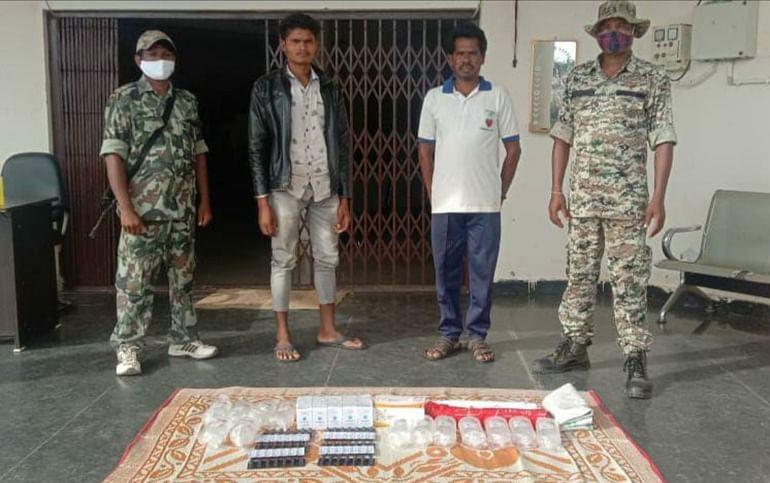 बीजापुर : सप्लाई टीम के दो नक्सलियों सहित तीन नक्सली गिरफ्तार