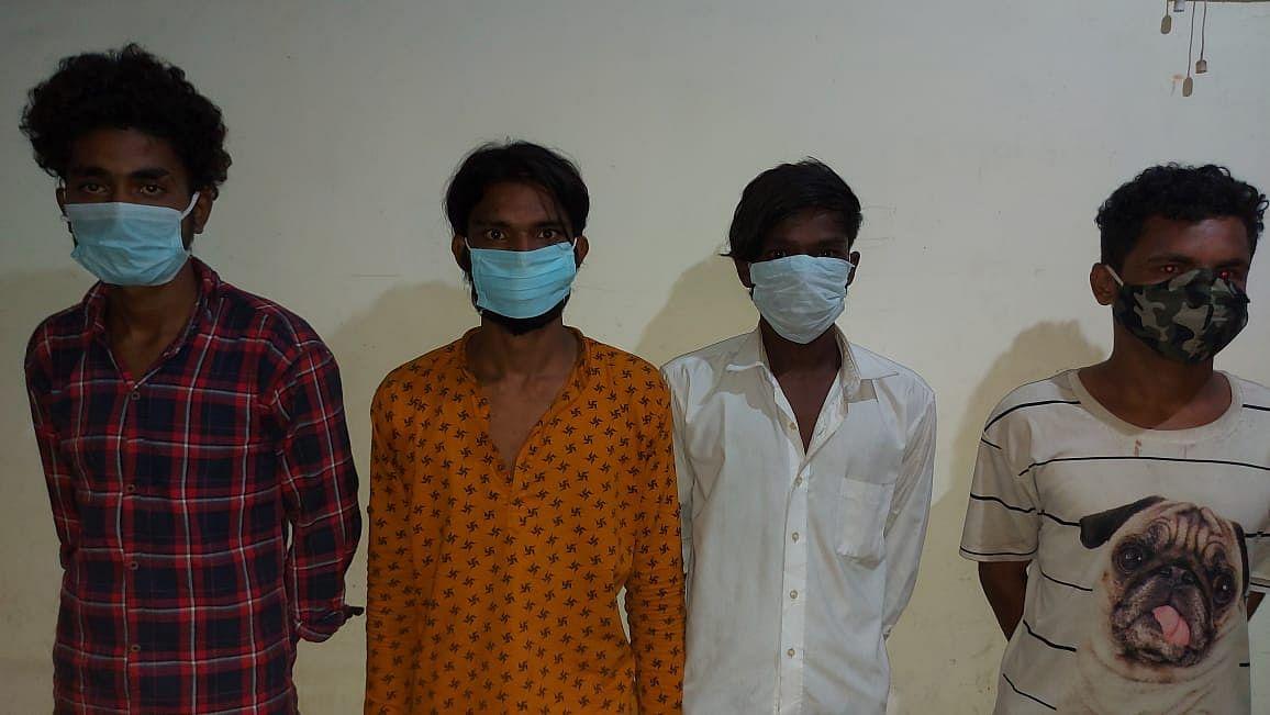 स्कूटी चोर गिरोह के चार सदस्य गिरफ्तार, चार स्कूटी बरामद