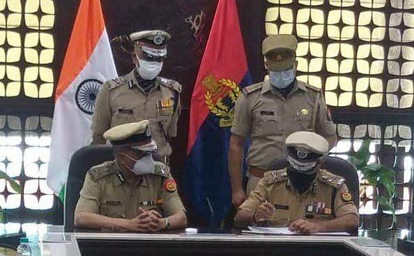 उप्र : सेवानिवृत्त से पहले पुलिस महानिदेशक हितेश चंद्र अवस्थी ने अपना कार्यभार एडीजी प्रशांत कुमार को सौंपा