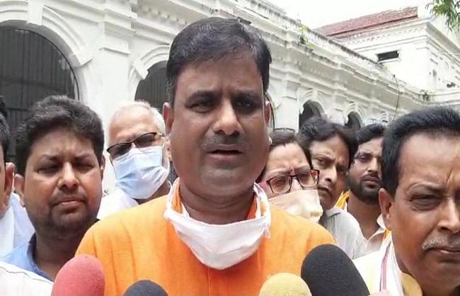 जिपं अध्यक्ष चुनाव : बलिया में भाजपा व सपा के बीच आरोप-प्रत्यारोप का दौर शुरू