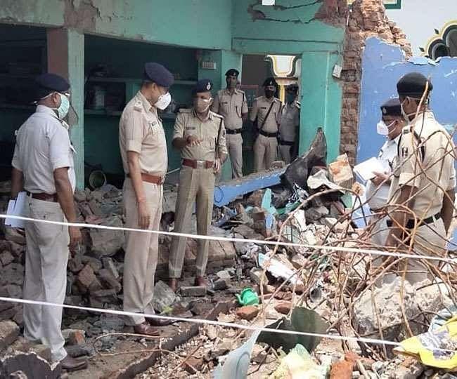 बांका : मस्जिद में कंटेनर में रखे देसी बम में हुआ था विस्फोट