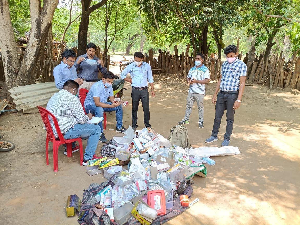 कोंडागांव : झोलाछाप के निवास पर प्रशासन की दबिश, मिला दवाइयों का ज़खीरा