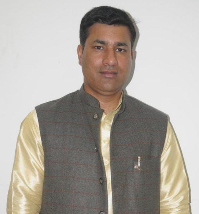 मुख्यमंत्री का दिल्ली दौरा दिखावा: रविंद्र सिंह आनंद
