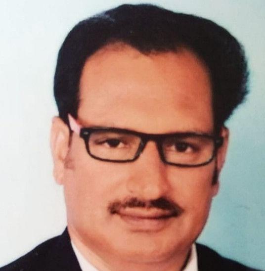 मोस्ट क्वालिफाइड डॉ. दशरथ सिंह के पास है 68 डिग्री व डिप्लोमा