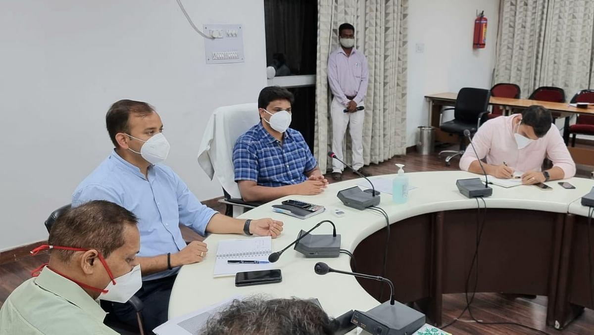 निगरानी समितियों को 20 लोगों को वैक्सीनेशन कराए जाने का लक्ष्य