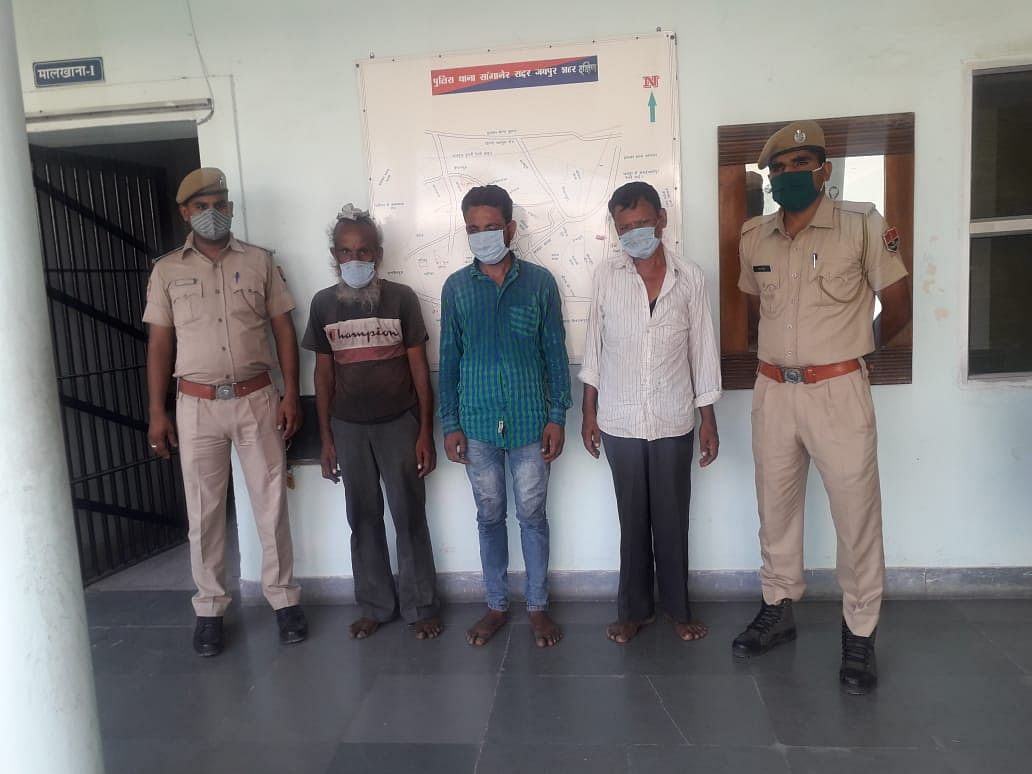 वाहन चोरी करने वाली गैंग का खुलासा:तीन शातिर वाहन चोर गिरफ्तार