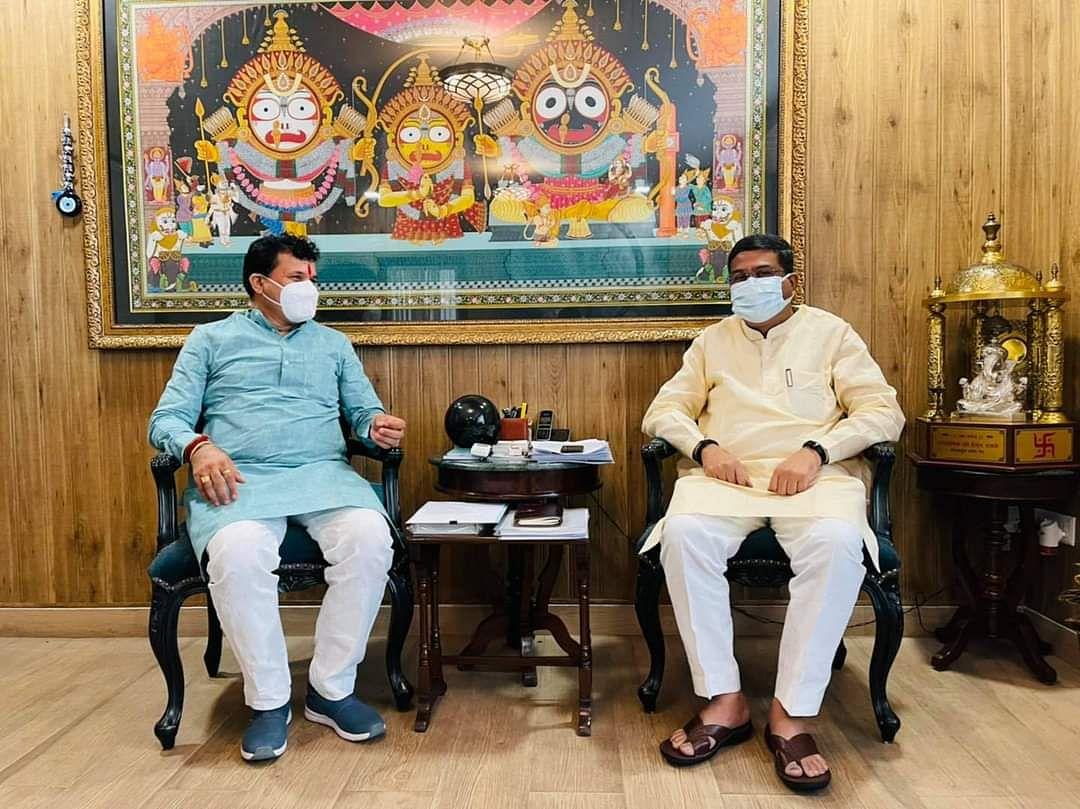 रिफाइनरी को लेकर केन्द्रीय कृषि राज्य मंत्री चौधरी ने पेट्रोलियम मंत्री से की मुलाकात