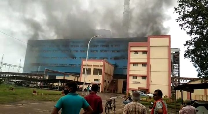 अमरकंटक ताप विद्युत गृह चचाई गैस किट लीक होने से एमसीआर बिल्डिंग की चौथी मंजिल में भडक़ी आग