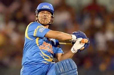 संगकारा को पीछे छोड़कर तेंदुलकर को 21वीं सदी का सबसे महान टेस्ट बल्लेबाज चुना गया
