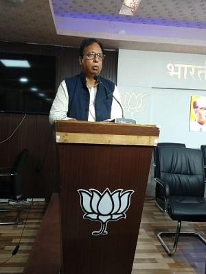 बिहार भाजपा अध्यक्ष ने किया कटाक्ष, कहा, घरों से उतना ही बाहर निकलें जितना राहुल गांधी मंदिर जाते हैं