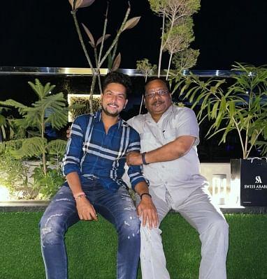 क्रिकेटरों ने फादर्स डे पर अपने-अपने पिता को दी शुभमकामनाएं