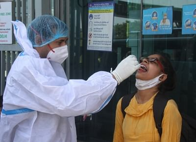 CoronaVirus- भारत में पिछले दो महीनों में पहली बार मरीजों की संख्या 1लाख से कम हुई
