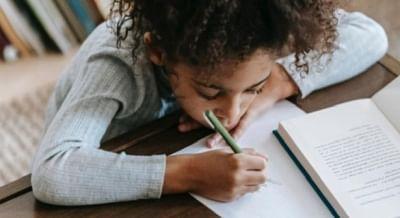 12वीं परीक्षा रद्द होने के बाद सोशल मीडिया पर शेयर हो रहे फनी मेम्स