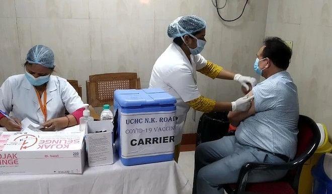 UP में पिछले 24 घंटे में कोरोना के 619 नये मामले आये, अब तक 02 करोड़ 19 लाख से अधिक लोगों का किया गया टीकाकरण