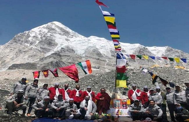 उत्तराखंड : नेहरू पर्वतारोहण संस्थान के जांबाजों ने फतह किया माउंट एवरेस्ट