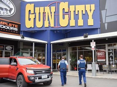 न्यूजीलैंड पुलिस ने गिरोहों, अपराधियों से 35.3 करोड़ डॉलर जब्त किए