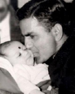 फादर्स डे 2021 पर बॉलीवुड सेलेब्स ने किया पापा के लिए प्यार का इजहार