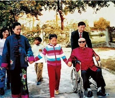 शी चिनफिंग और उनके पिता दोनों जनसेवा को प्रतिबद्ध