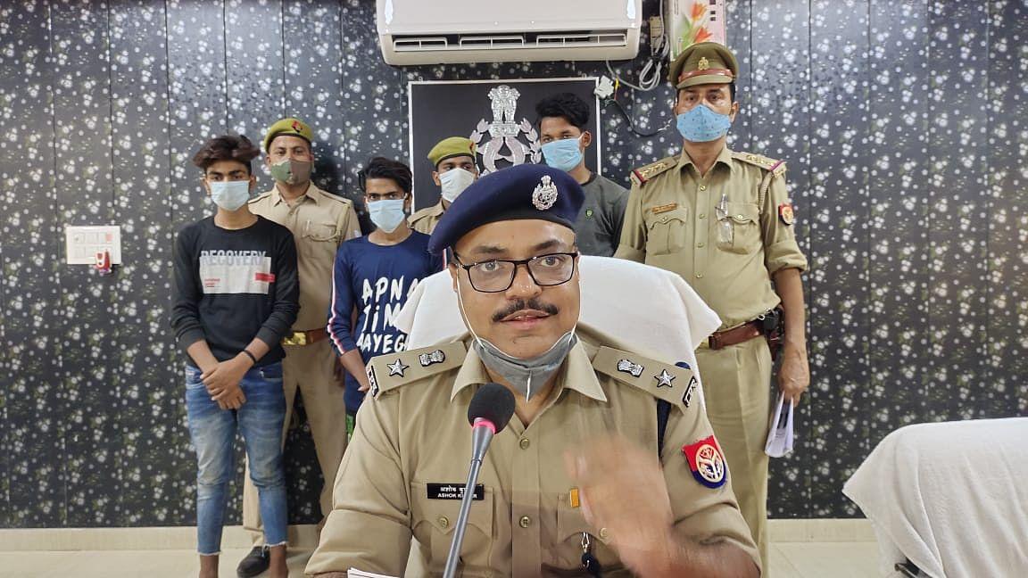 फिरोजाबादः मुठभेड़ में हाइवे पर लूट करने वाले अन्तर्जनपदीय गैंग के तीन कुख्यात बदमाश गिरफ्तार