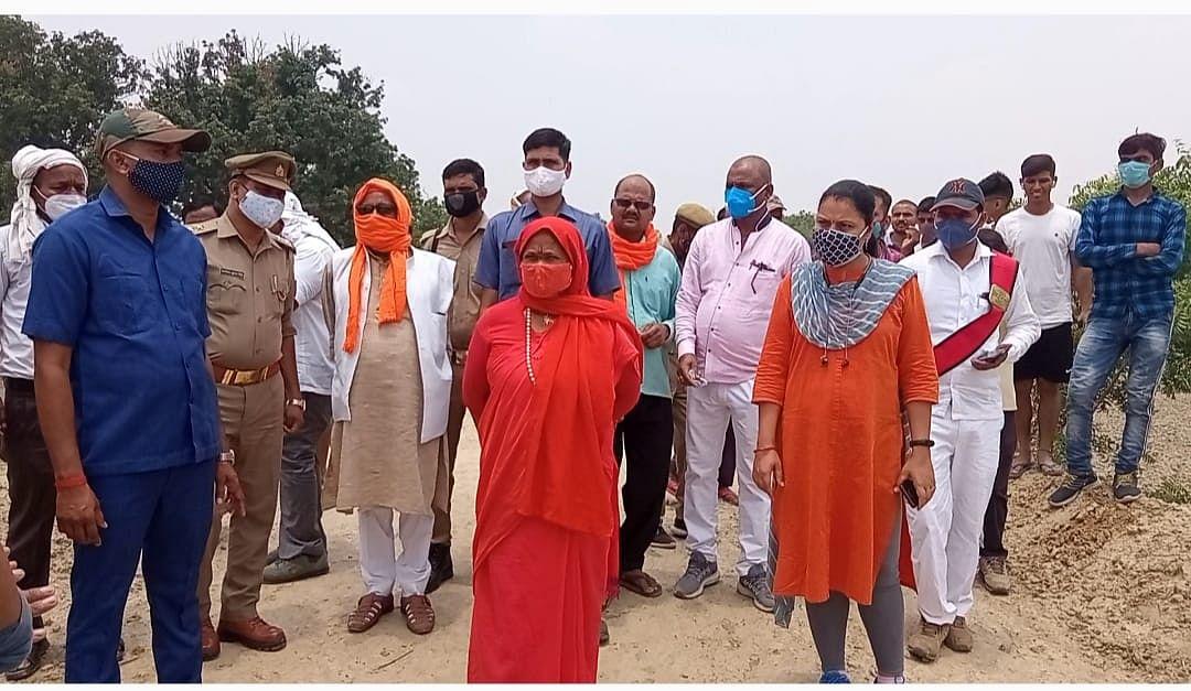 फतेहपुर: तालाबों की खुदाई पर पाई गई अनियमितता, जांच कर कार्रवाई करने के दिये निर्देश