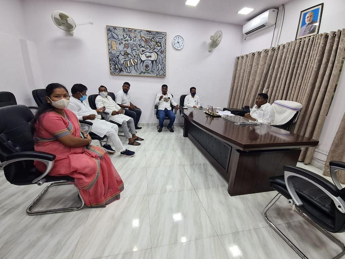 मंत्री रामेश्वर उरांव से मिला कांग्रेस प्रतिनिधिमंडल
