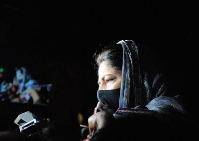 महबूबा मुफ्ती ने की धारा 370 की बहाली, राज्य का दर्जा देने की मांग