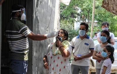 भारत में कोरोना के 67 हजार नए मामले, 2,330 मौतें