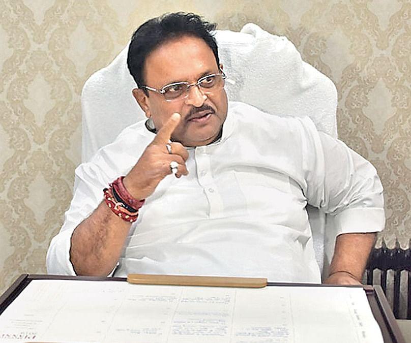 मुख्यमंत्री चिरंजीवी योजना में मरीजों का उपचार नहीं करने वाले चिकित्सालयों के खिलाफ होगी कार्रवाई- चिकित्सा मंत्री