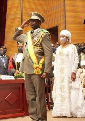 माली के राष्ट्रपति के रूप में असीमी गोइता ने ली  शपथ (लीड-1)