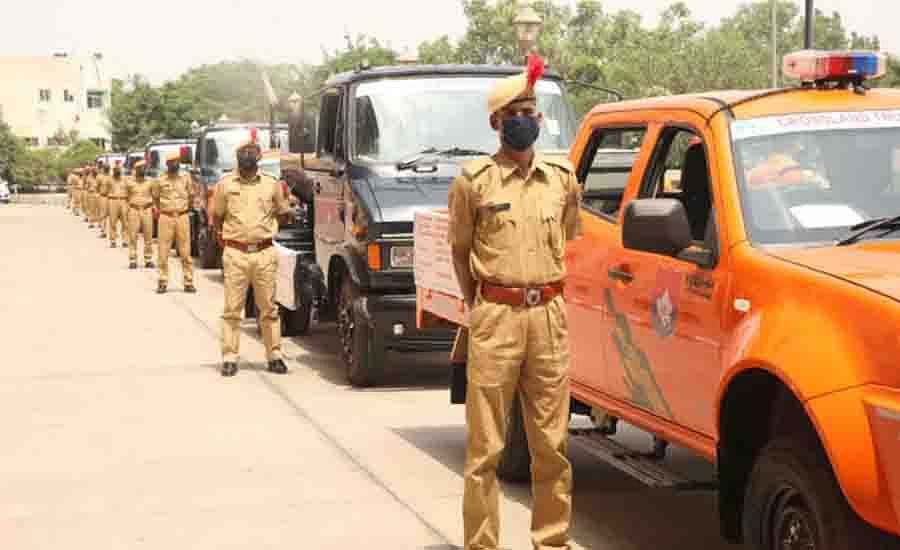 पुलिस महानिदेशक ने एसडीआरएफ वाहनों व उपकरणों को हरी झण्डी दिखाकर किया रवाना