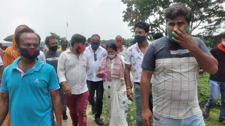 भाजपा विधायक ने जलमग्न अंडरपास का लिया जायजा
