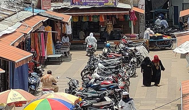 अनलॉक के बाद भोपाल के बाजारों में नजर आई रौनक