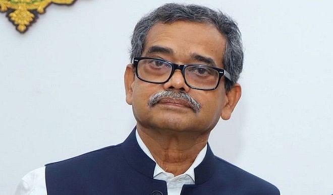 पूर्व राष्ट्रपति प्रणब बनर्जी के बेटे ने ट्वीट किया डिलीज, क्या TMC में होने वाले हैं शामिल ? जानिए पूरा सच