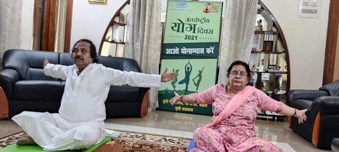 कोरबा:एनटीपीसी  में कार्यकारी निदेशक बसु ने योगाभ्यास के जरिए योग को जीवन का अंग बनाने किया प्रेरित