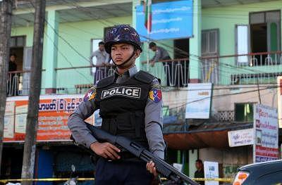 म्यांमार में आतंकी गतिविधियों, अवैध हथियार रखने के आरोप में 638 संदिग्ध गिरफ्तार