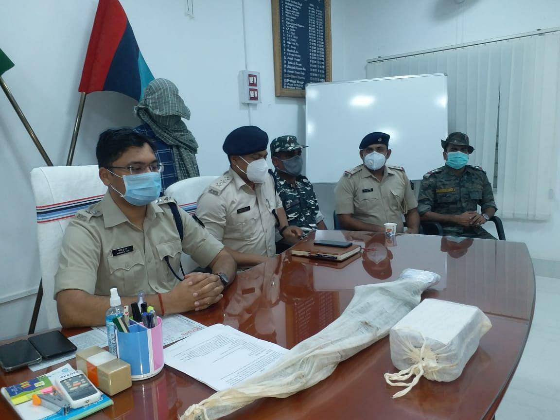 टीपीसी एरिया कमांडर किशुन गंझू गिरफ्तार, इंसास और कारतूस बरामद