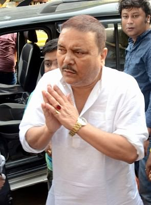fire-breaks-out-at-madan-mitra39s-house-in-kolkata