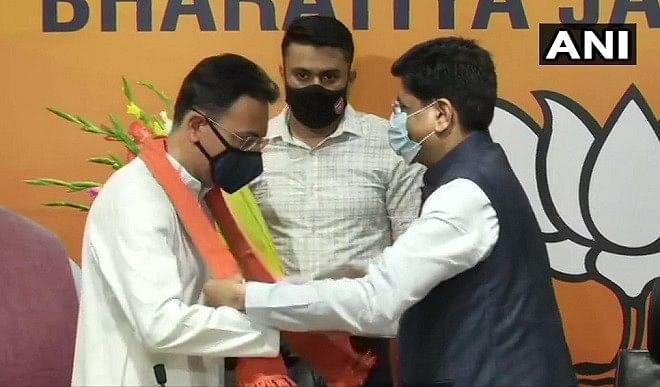 कांग्रेस को बड़ा झटका, दिग्गज नेता जितिन प्रसाद ने थामा भाजपा का दामन