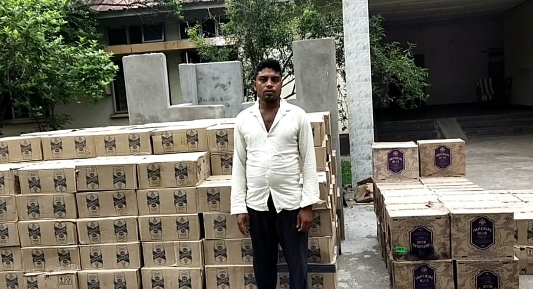 सिमलटापू में  शराब से भरा कंटेनर ट्रक जब्त: एक गिरफ्तार।