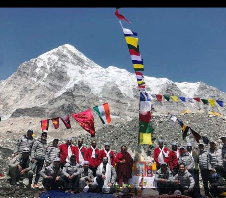 नेहरू पर्वतारोहण संस्थान के जांबाजों ने फतह किया  माउंट एवरेस्ट