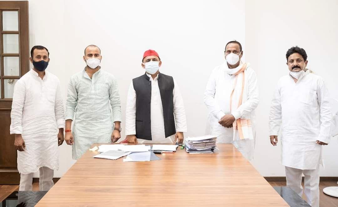 भाजपा के कद्दावर नेता पूर्व मंत्री शिव शंकर पटेल समाजवादी पार्टी में शामिल