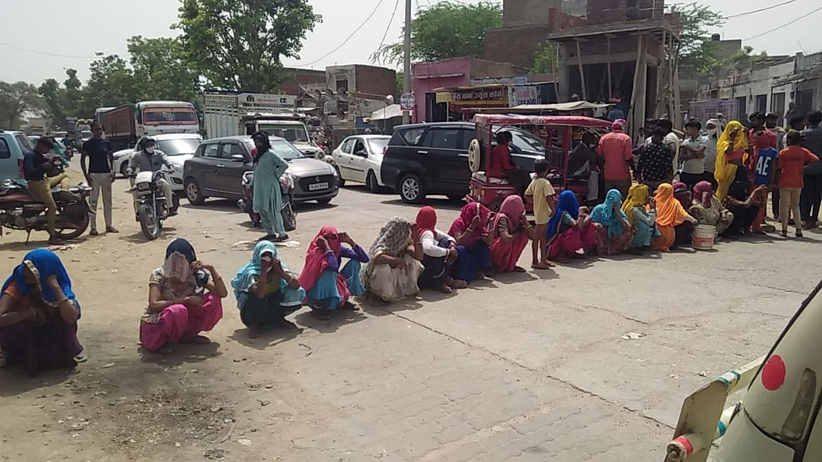 अलवर शहर के बाद अब गांवों में भी पानी की किल्लत, परेशान महिलाओं ने लगाया जाम