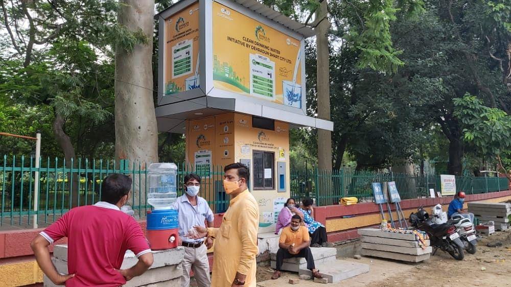 स्मार्ट सिटी के नाम पर जनता को मूर्ख बना रहा है नगर निगम: रविंद्र आनंद