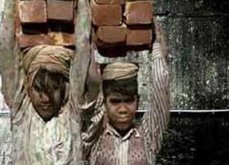 दिल्ली ले जाए जा रहे चार बाल श्रमिक कुशीनगर में मुक्त, चाइल्ड लाइन को सौंपे गए